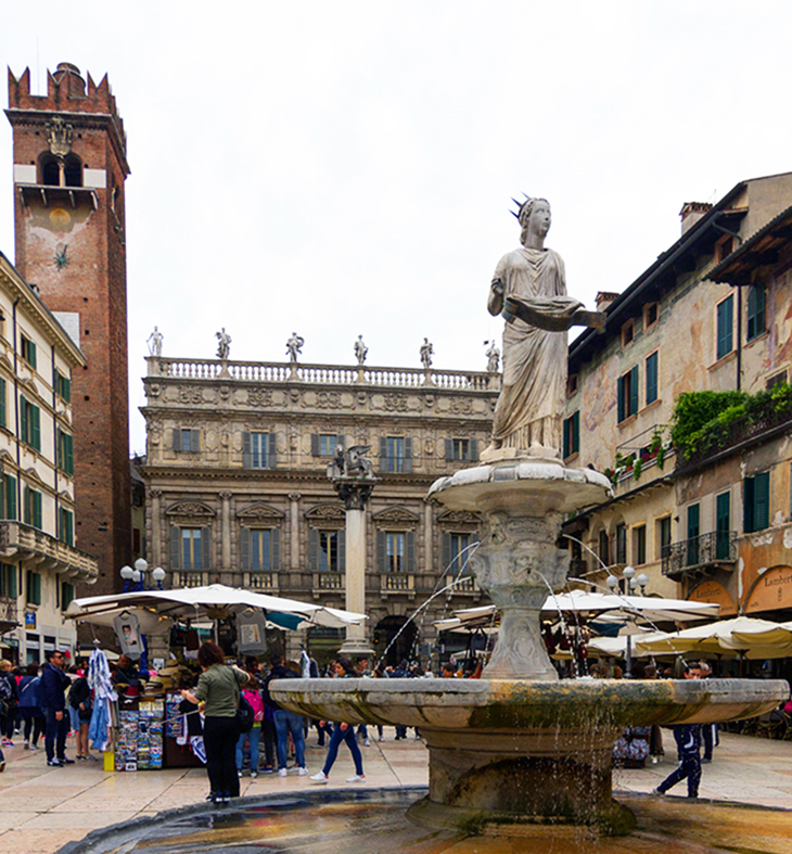 palazzo maffei, piazza delle erbe, verona italy attractions, madonna verona fountain, statue, what to see in verona italy, sightseeing, lion of st mark, veronese lion