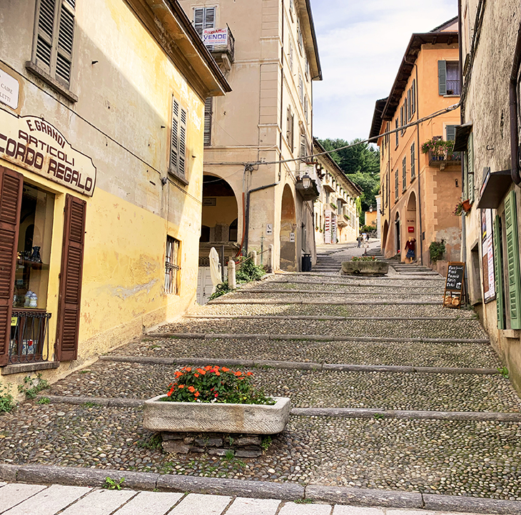 lake orta town, orta san giulio village, cobbled streets, italian lakes district, piedmont region, italy scenery