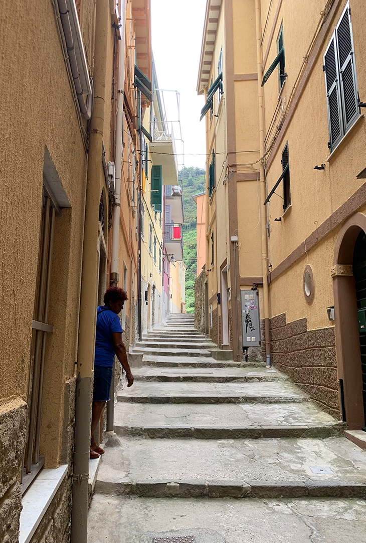 manarola, narrow street, cinque terre, medieval fishing villages, painted houses, unesco world heritage,