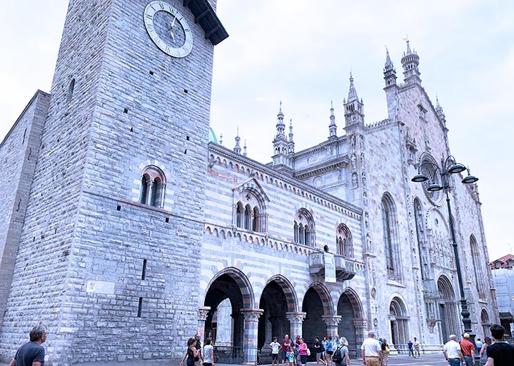 como cathedral, duomo di como, cattedrale di santa maria assunta, como church, broletto, town hall, bell tower, lake como, italy, things to see in como, what to do in como