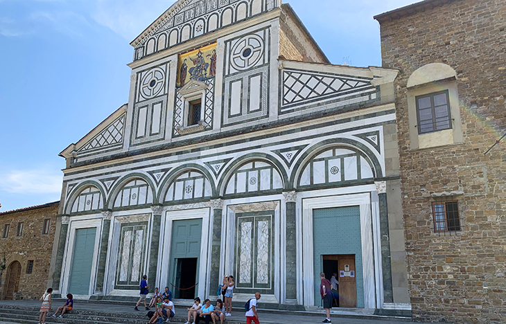 san miniato al monte basilica, church of san miniato, frescos, paintings, sculptures, green and white marble, romanesque churches, florence italy, northern italy, firenze,