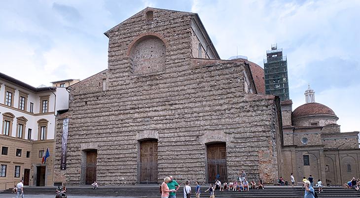 san lorenzo church exterior, basilica di san lorenzo facade, florence italy, medici family church, michelangelo design, marble church interior, renaissance artists