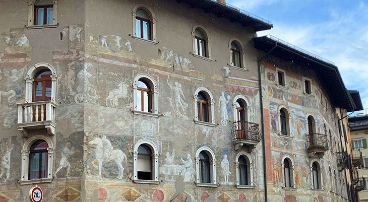 palazzo malfatti, medieval frescos, via rodolfo belenzani, trento italy, adige valley, piazza duomo buildings, northern italy, what to see near trento, what to do in trento, trentino, alto adige,