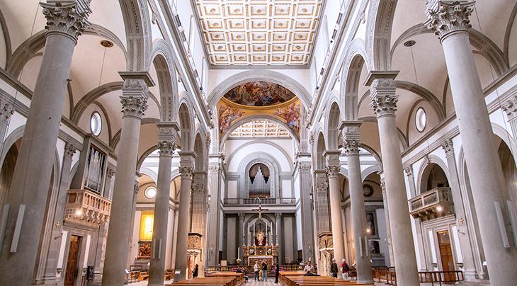 san lorenzo church interior, inside basilica di san lorenzo, florence italy, florence churches, medici family church, michelangelo design, marble church interior, renaissance artists