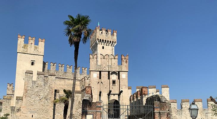 scaligero castle, scaliger family palace, della scala family palazzo, lake garda castles, medieval castle, northern italy, castello scaligero, travel to italy, sirmione, lombardy, brescia, italian lakes district,