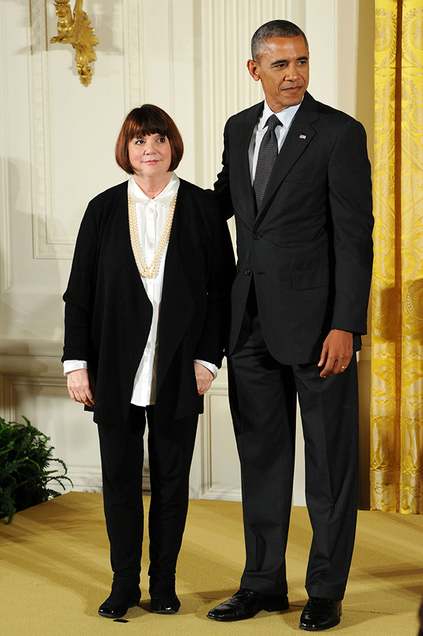 linda ronstadt, president barack obama, national medal of the arts, american singer