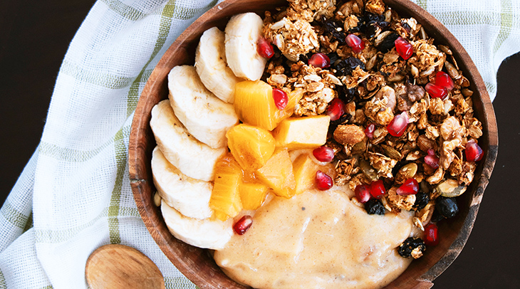healthy food, improve nutrition, well balanced diet, food energy, good food choices, fresh fruit, granola, yoghurt, produce, antioxidants, fiber, nutrients
