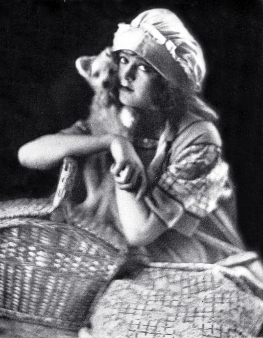 corliss palmer, american actress, corliss palmer brewster, fame and fortune contest winner, shadowland, silent movies, 1923 film stars