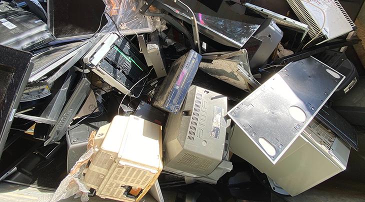 junk, trash, garbage, electronics, appliances, waste, reduce, reuse, repair