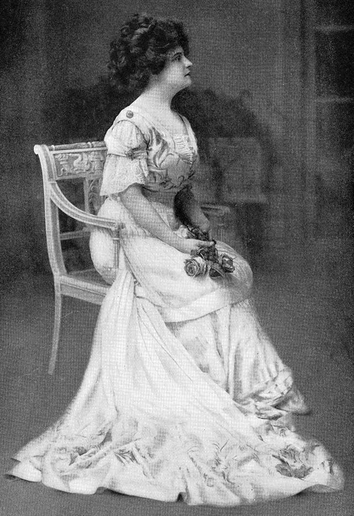 thais magrane prescott, american actress, singer, fashion, designer, dresses, gowns, vintage, 1910, plays, broadway, the spendthrift,