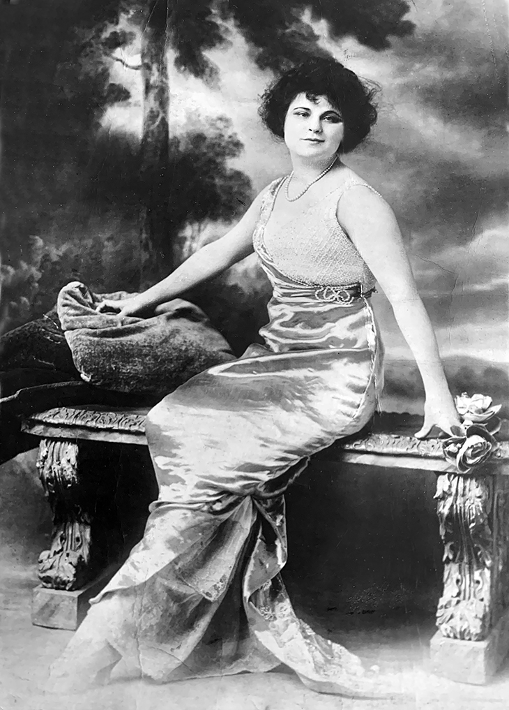 thais magrane prescott, american actress, broadway plays, 1900s, stage plays, fashion, designer, dresses, gowns, vintage,