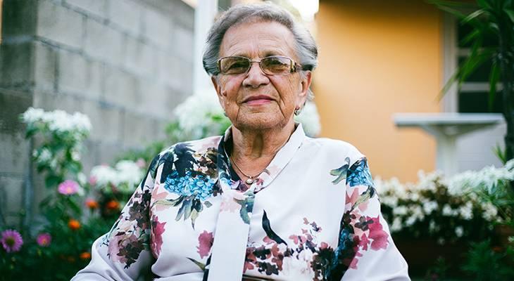 older woman, senior female, older adults, seniors, senior citizens,
