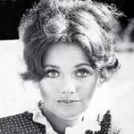 dawn wells died 2020, dawn wells december 2020 death, american actress, films, the new interns, classic tv shows, gilligans island mary ann summers,