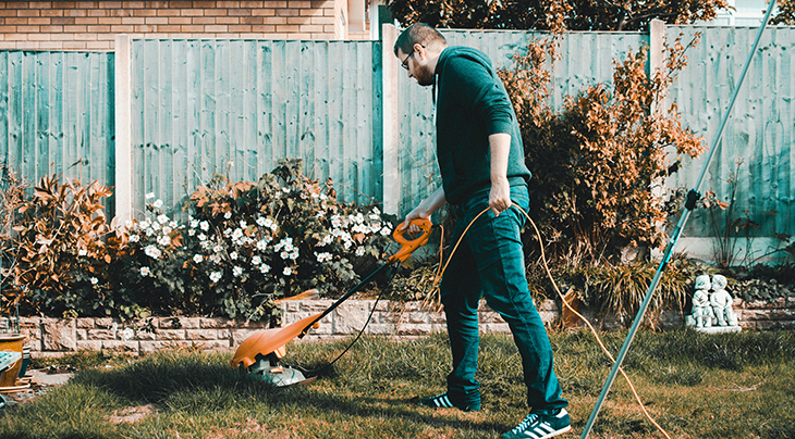 weed eating, whipper snippering, gardening, yard maintenance, decluttering