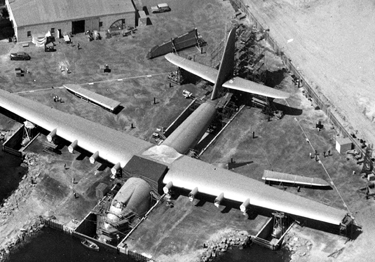 spruce goose, aircraft construction, hughes h4 hercules, flying boat, wwii airplanes, flight innovation, troop transportation, wooden airplane, howard hughes, aircraft company, pioneer, aeronautic, records, aviation