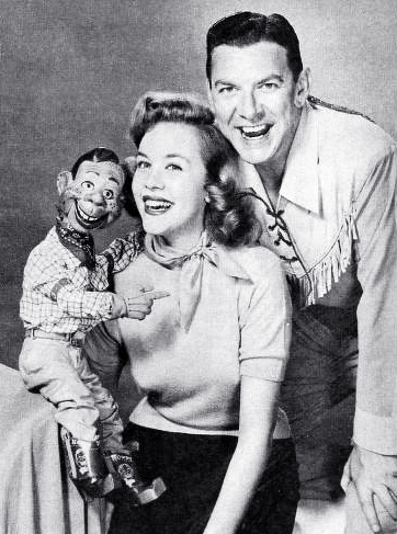 howdy doody, puppet, marionette, childrens television series, childrens programming, 1960, tv shows, american actors, musician, singer, buffalo bob smith, nbc, dancer, actress, marti barris