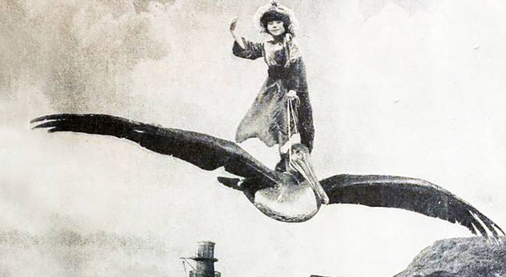 baby peggy, pete the pelican, 1924, silent movies, captain january, actress, film stars, odd, unusual, girl flying a bird, april fool