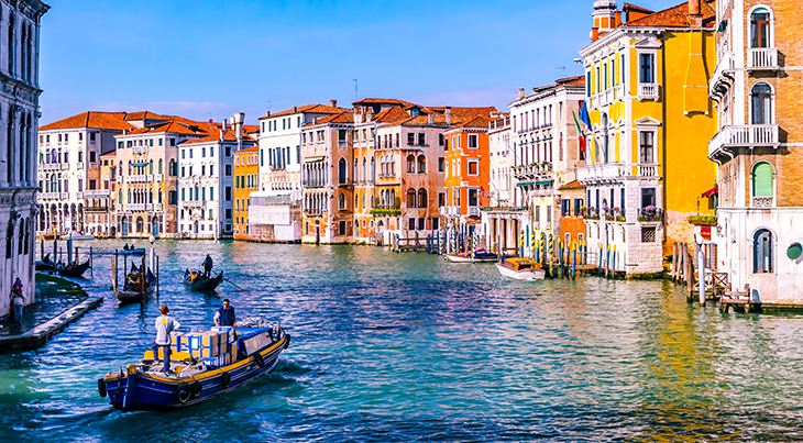 cruise, passenger ship, travel, vacation, ocean, water, boat, explore, destination, venice, northern italy, grand canal, historic, architecture,tour,
