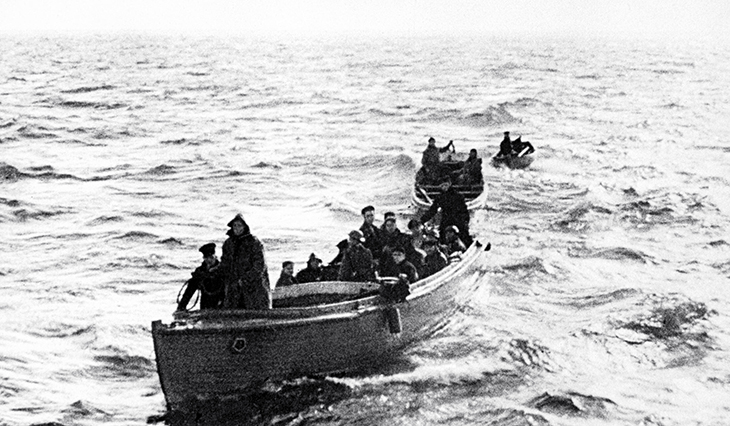 june 1940, world war two, wwii, german invasion, battle of france, miracle of dunkirk, british troops, dunkirk beach, evacuation, little ships of dunkirk, fishing boats, flotilla, small vessels