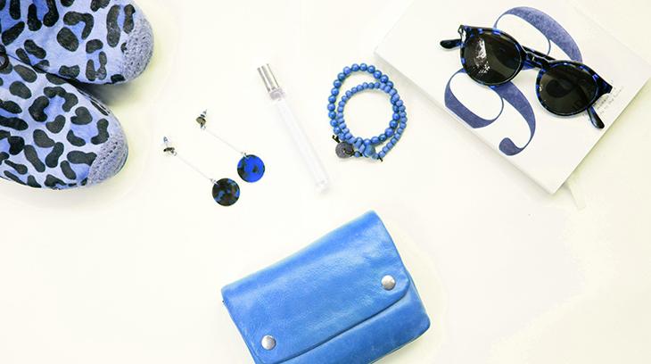 fashion, style, wardrobe, pieces, shoes, footwear, accessories, jewelry, earrings, sunglasses, colour coordinated, purse, handbag, bracelet, blue