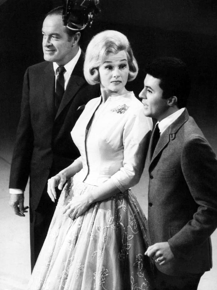 jo stafford, american singers, 1961, 1960s tv shows, the jo stafford show, bob hope, james darren, comedian, actors,