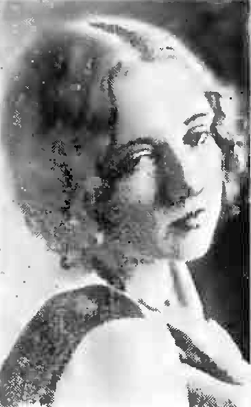 alma ashcraft, the crinoline girl, 1931, wcky radio station, 1930s radio programs, singer, victorian era songs, kentucky, cincinnati, ohio, married charles h topmiller, mother diane bieda